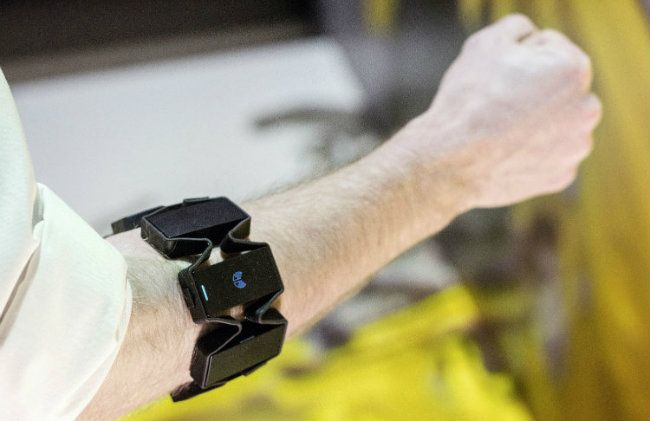 How Does Audi's Virtual Assembly Technology Work with virtual armband technology