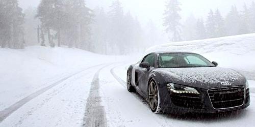 audi-r8-on-snow