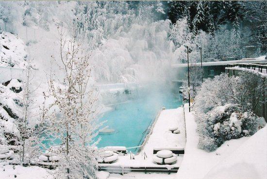 radium-hot-springs