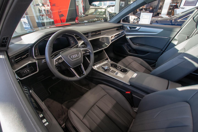Showroom Shuffle - 2019 Audi Q8 and Audi A6 - Audi Royal Oak